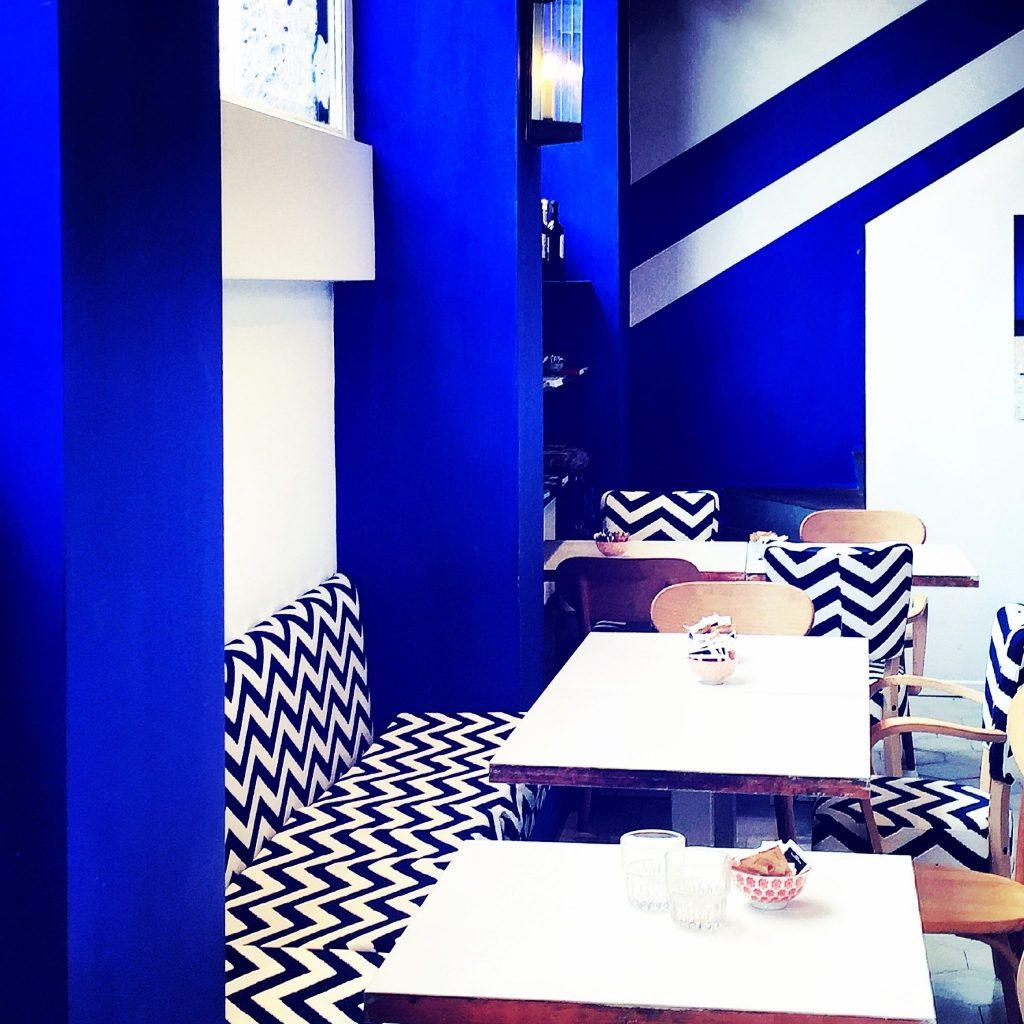 il blue e bianco del caffè vigna leonardo