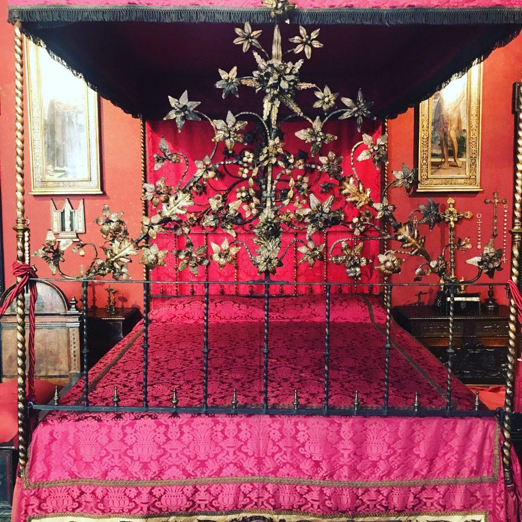 il museo dell'innocenza di pamuk in mostra al museo bagatti valsecchi di milano
