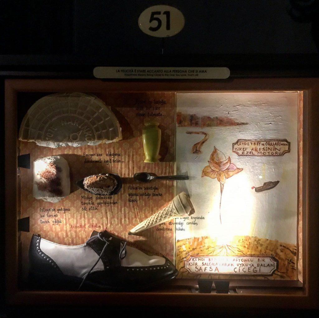 teca al museo dell'innocenza di pamuk in mostra al museo bagatti valsecchi di milano