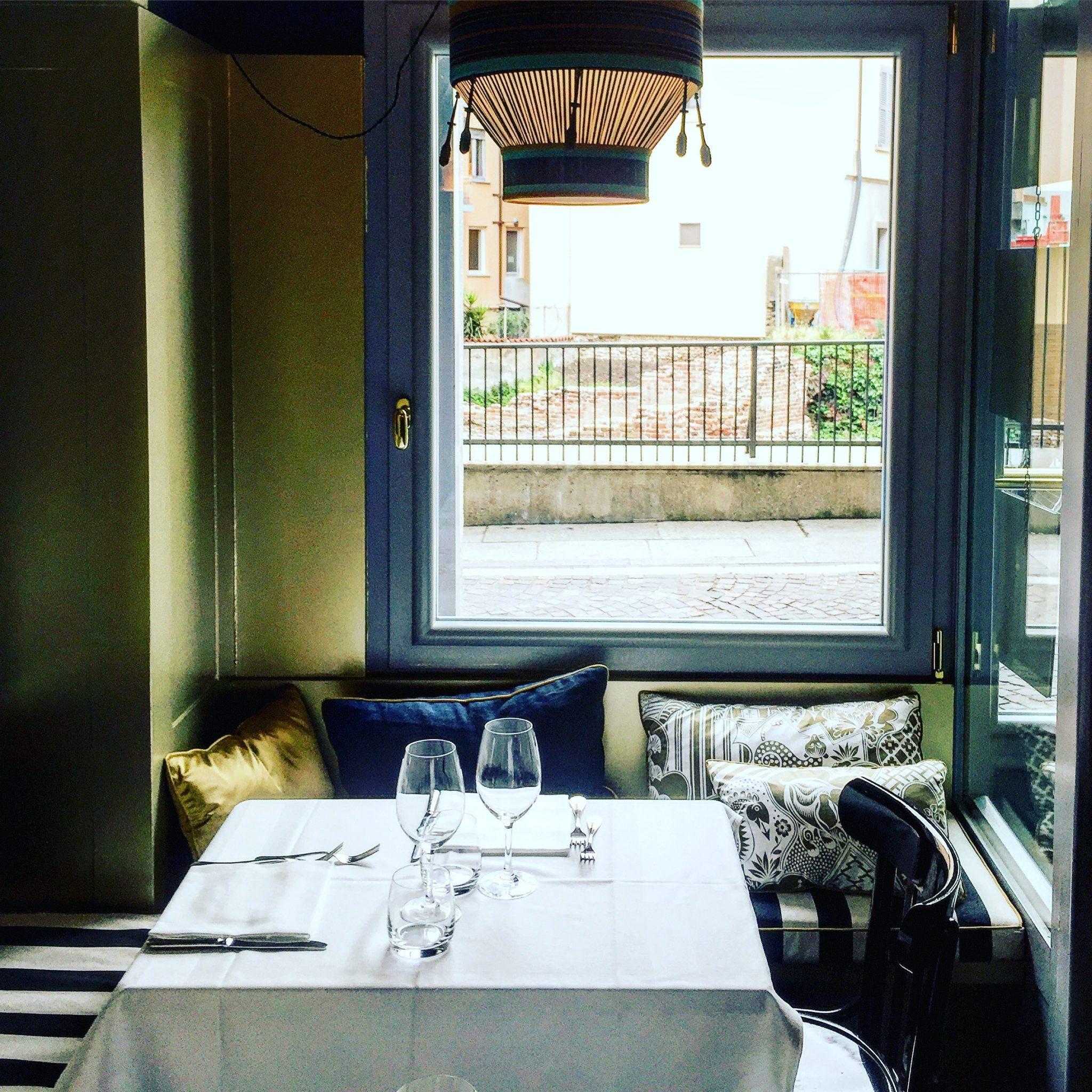 tavolo al ristorante brisa milano