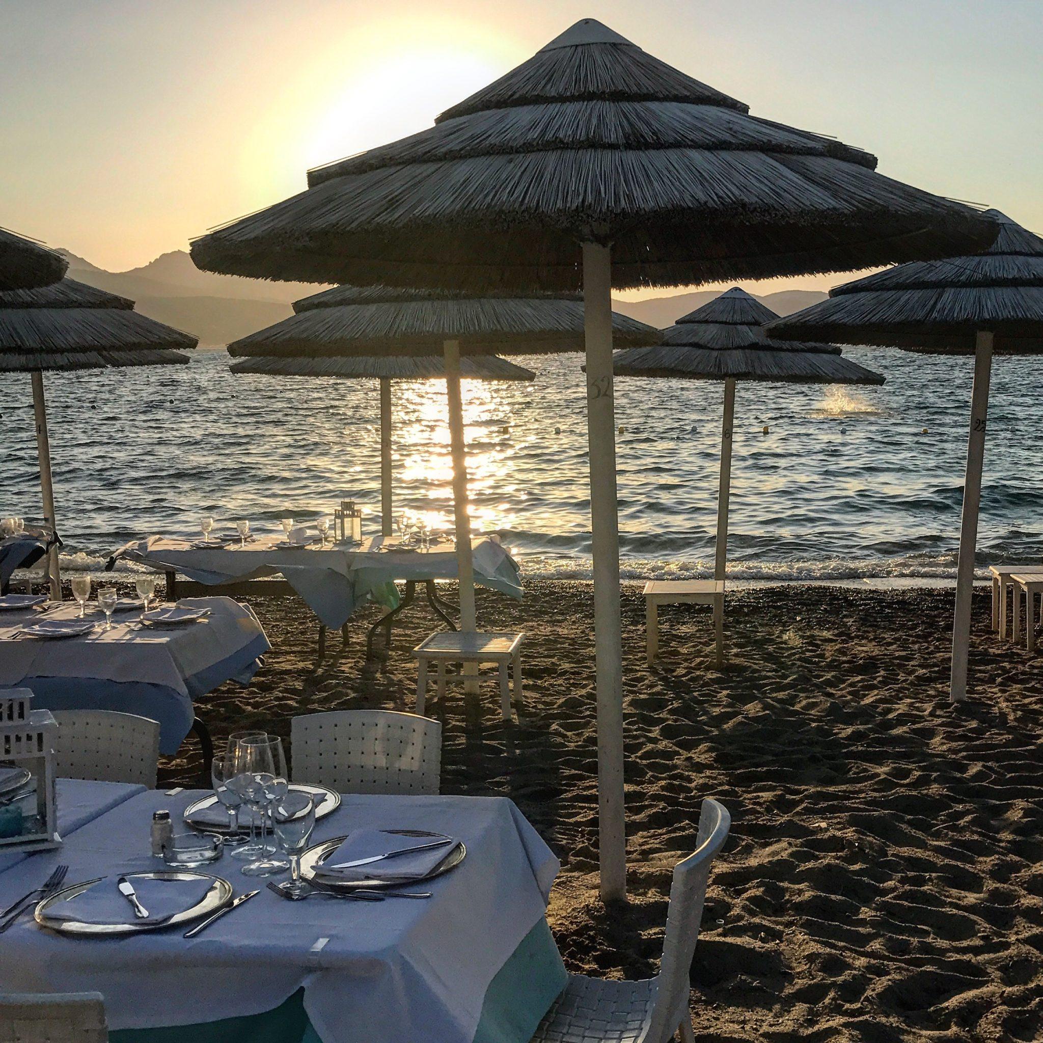 aperitivo in spiaggia da fare a Porto Rotondo