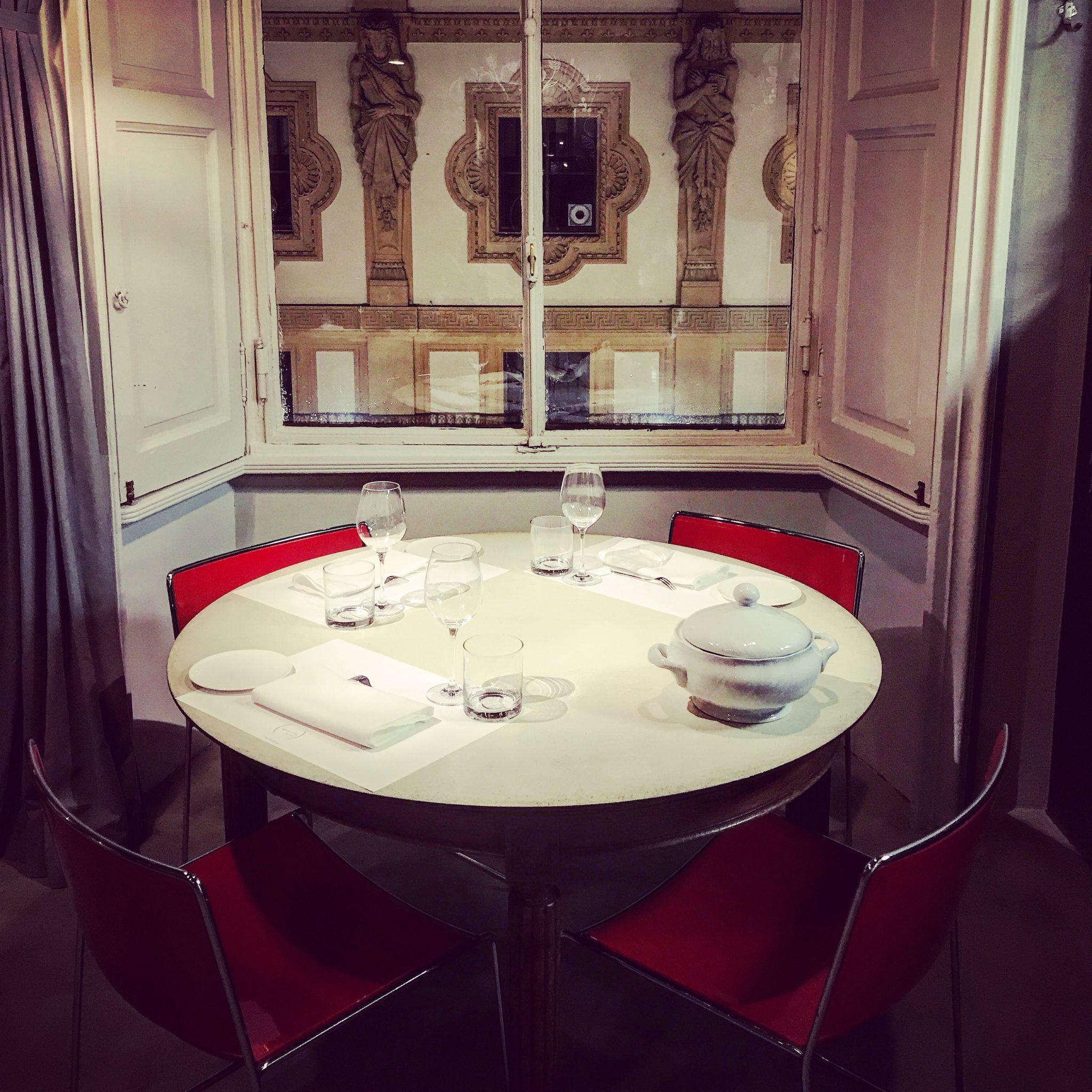 vista galleria a cena da spazio milano
