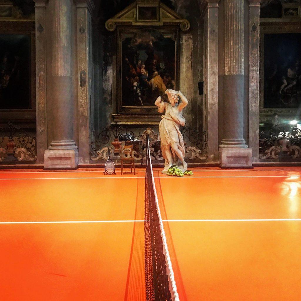 il campo da tennis tra le mostre gratis