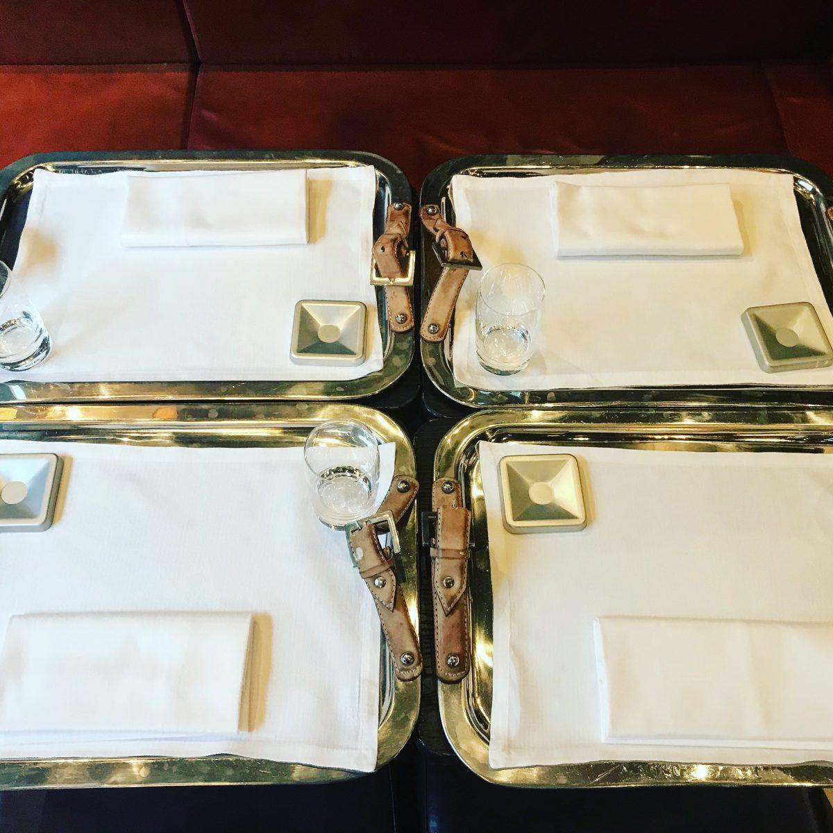 mangiare tartufi a Milano su vassoi d'argento