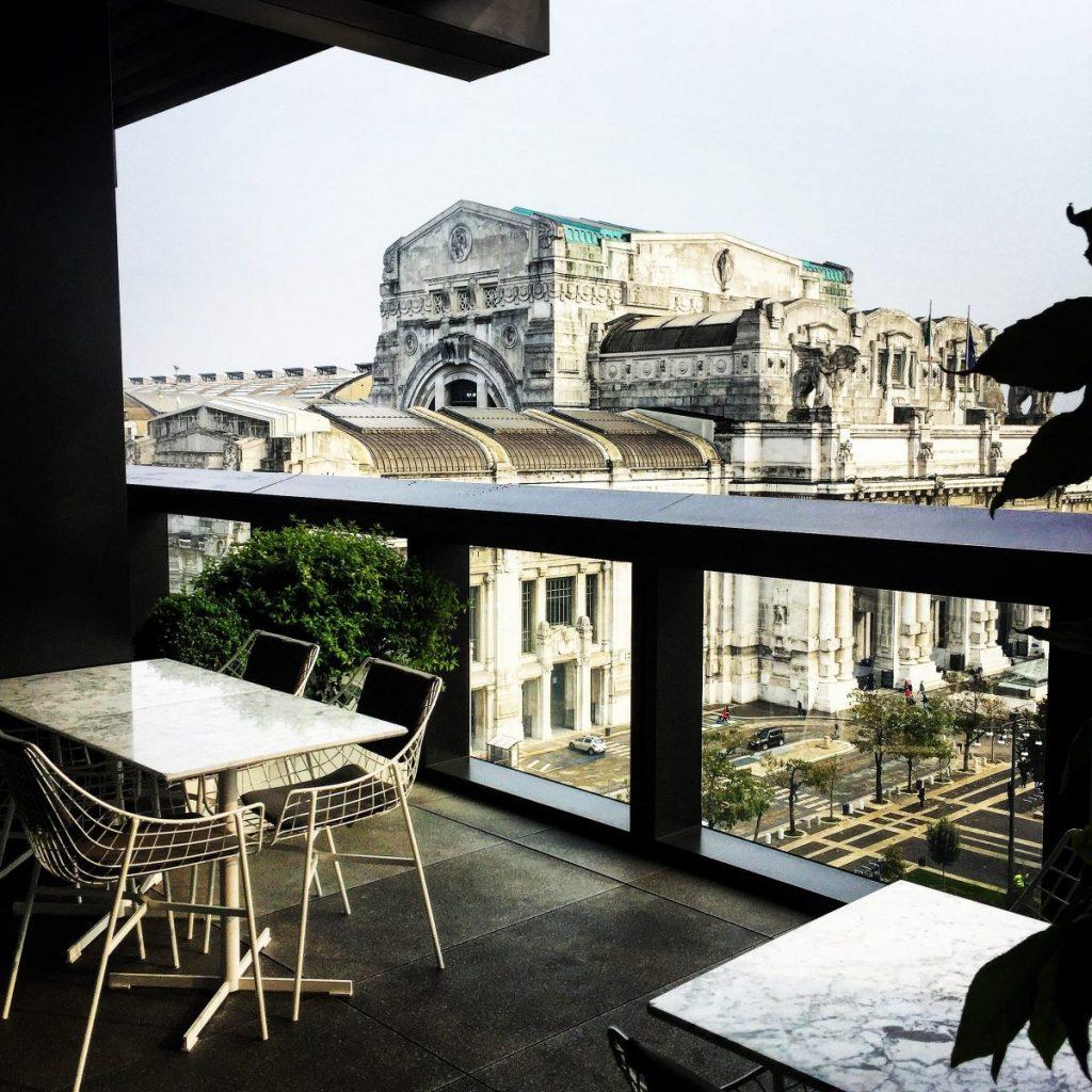il rooftop dell'Excelsior Gallia a milano per l'aperitivo